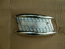 "82-4127, Tank badge, ""mouthorgan"" left"